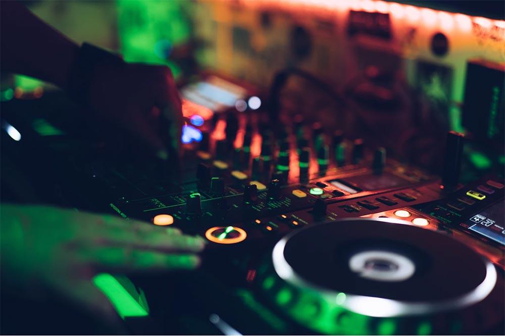 DJ és Zenekészítő szakkör